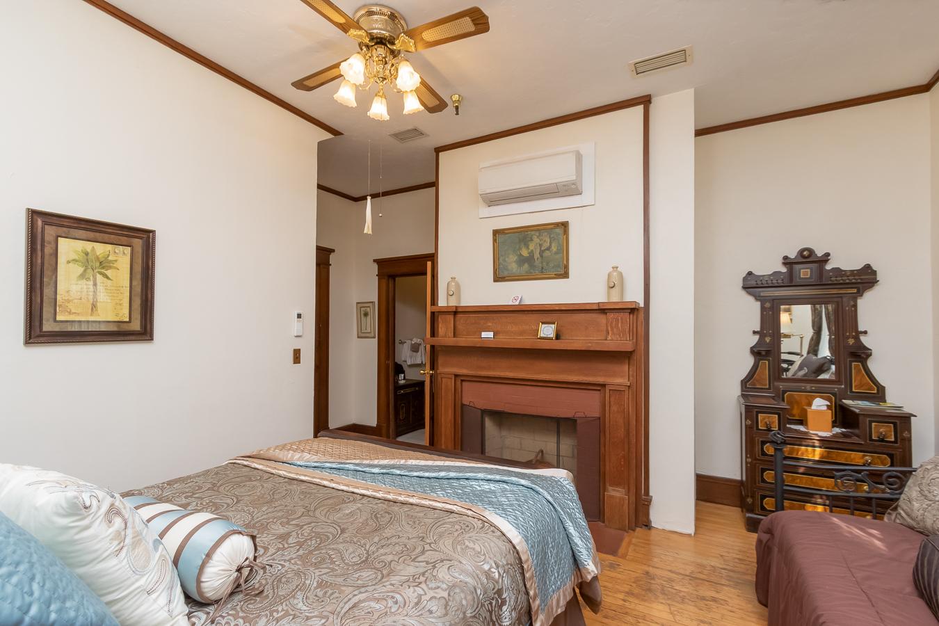 Palm Room | $159*